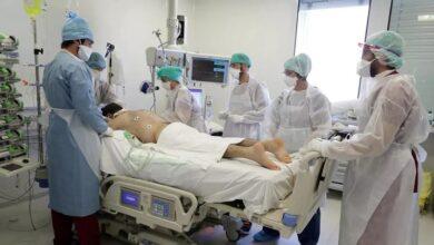 Paciente grave de coronavirus en la Unidad de Cuidados Intensivos (UCI) en un hospital de Marsella, 8 de septiembre de 2020. REUTERS - ERIC GAILLARD