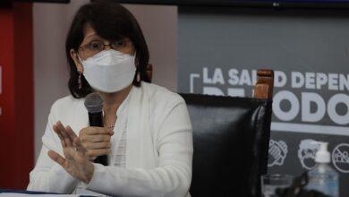 Ministra indicó que las decisiones que se toman en medio de la pandemia siempre implican un cierto grado de riesgo. Foto. Jorge Cerdán. La República.