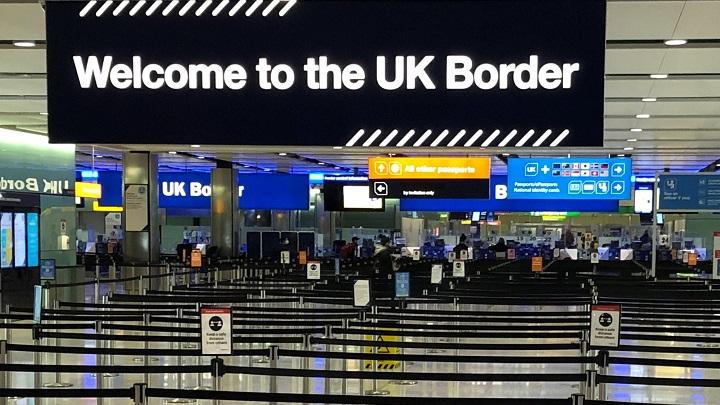 Reino Unido prohibe vuelos. Foto: AFP