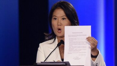 Keiko Fujimori firma compromiso. Foto 2016
