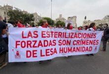 Víctimas de esterilizaciones protestan contra candidatura de Keiko Fujimori.